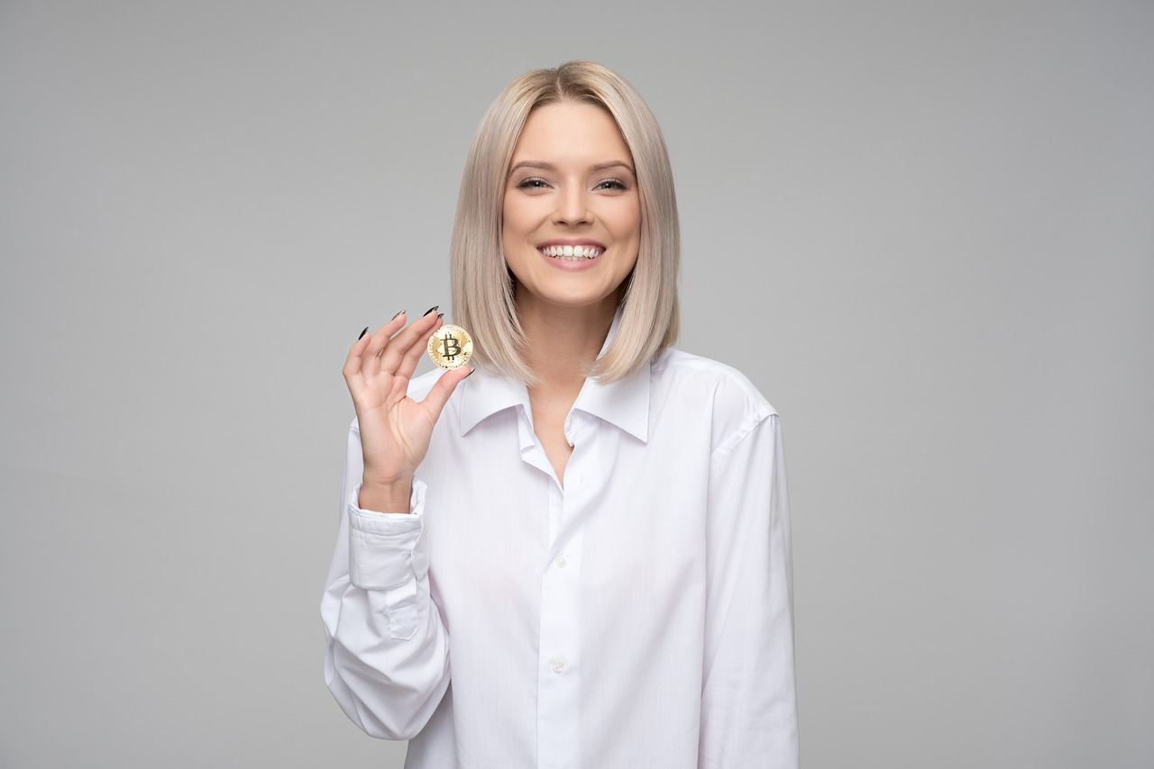 bitcoin, kryptoměny, investovat, sexy, žena, hodl, hodler