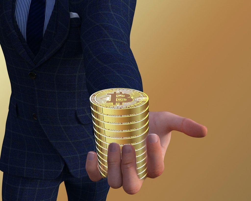 Vynálezce, news, držet, mince, sako, zlaté, Bitcoinu, Satoshi, kryptoměny, sppn