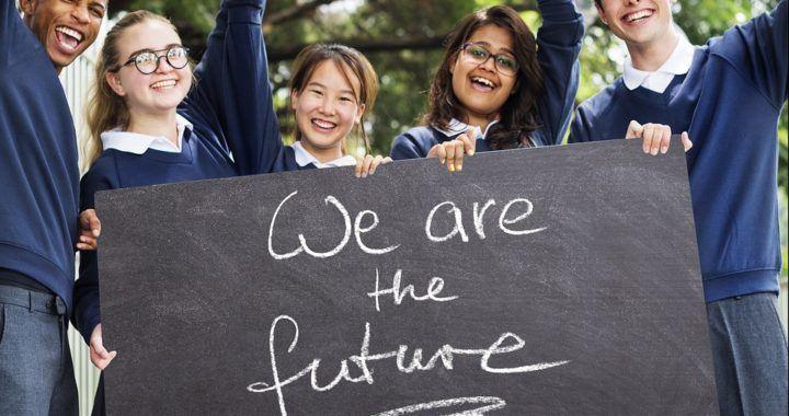 studenti, třídy, budoucnost, kryptoměny, bitcoin, magazin, news