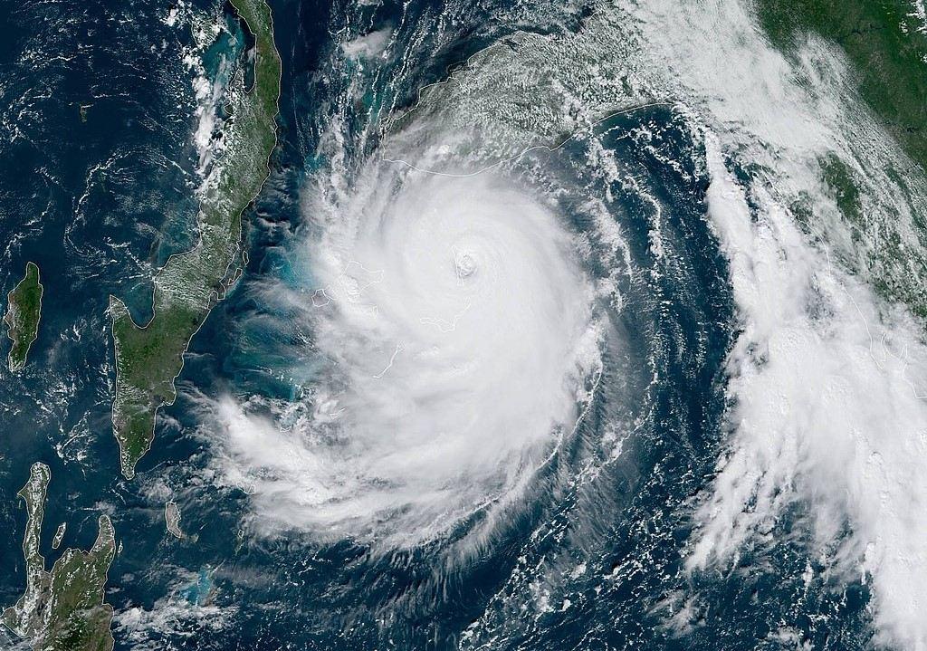 Tether, USDT, Dorian, hurikán, ETF,