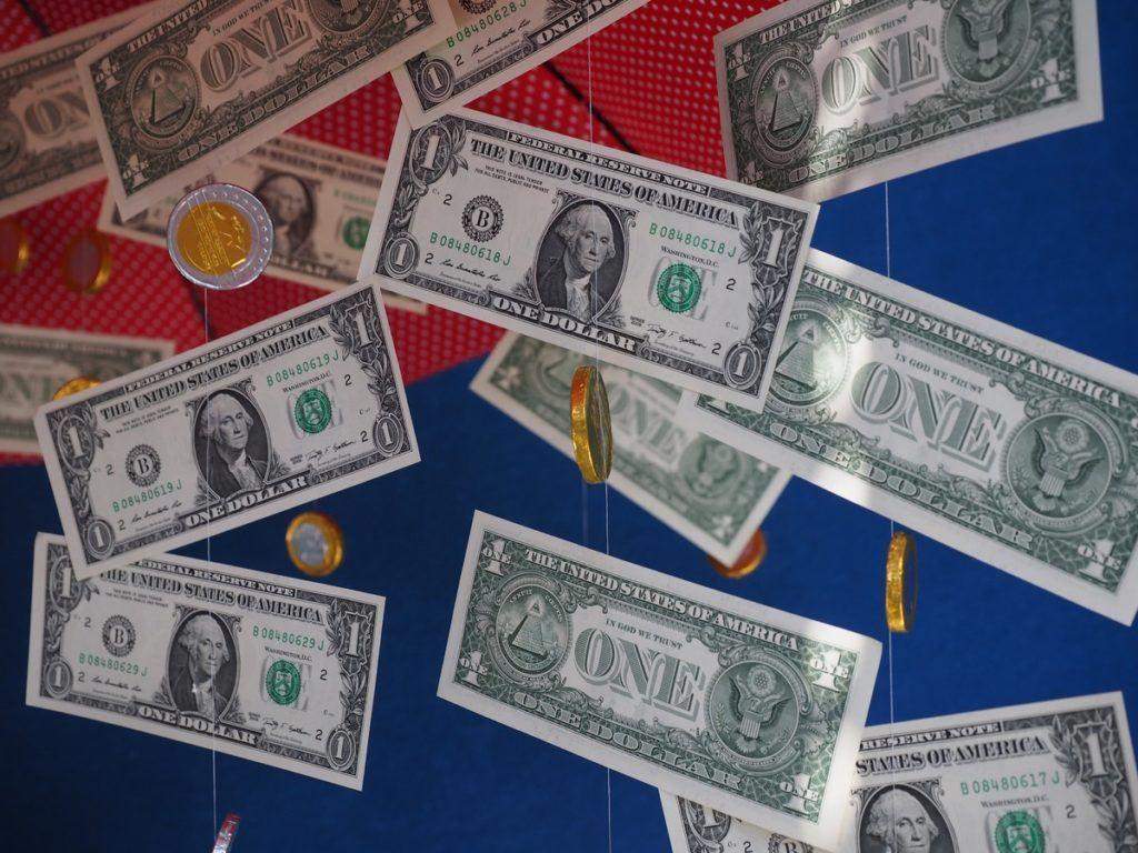 dolar, FED, UVOLŇOVÁNÍ, peníze, QE, inflace