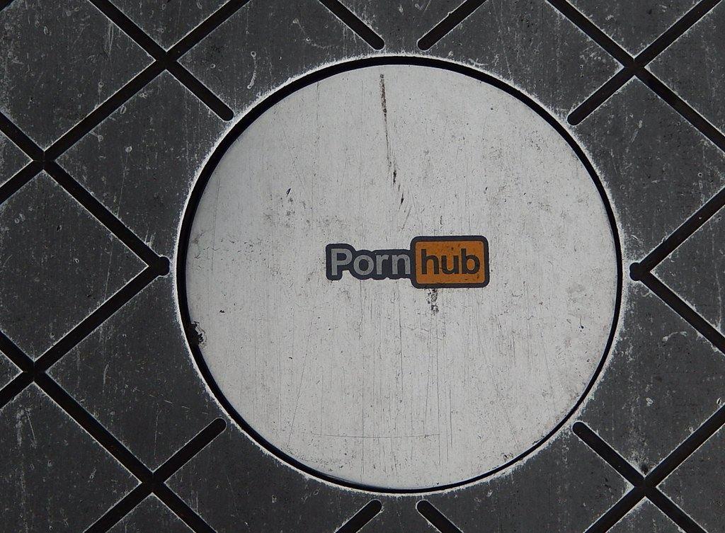 PayPal, odříznul, Pornhub, plateb