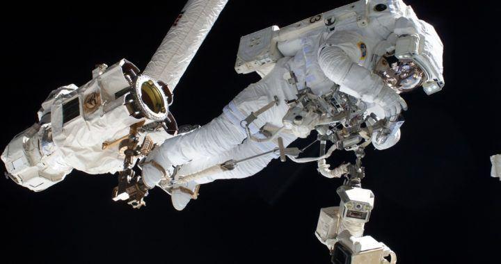 bitcoinová, peněženka, node, vesmír, orbit, oběžná dráha, v kosmu, astronaut, ISS, analytik