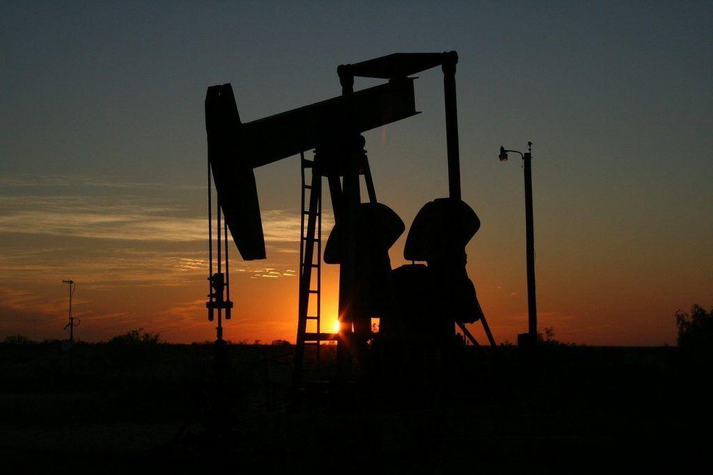 ropa, pumpa, těžba, cena, propad, kurz, graf, věž, vrt, pumpa