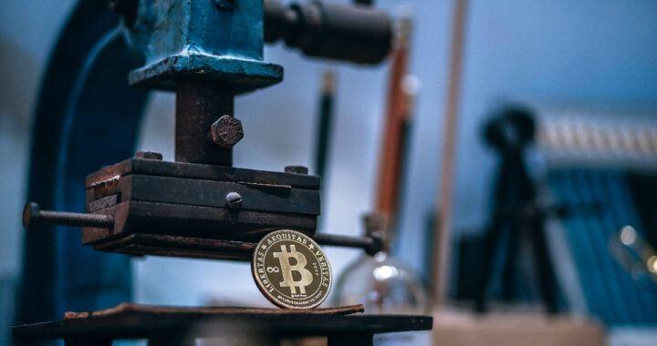 btc, bitcoin, mince, ražba,