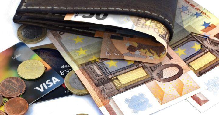 záporné úrokové sazby, peníze, euro, peněženka, úspory, eura, finance